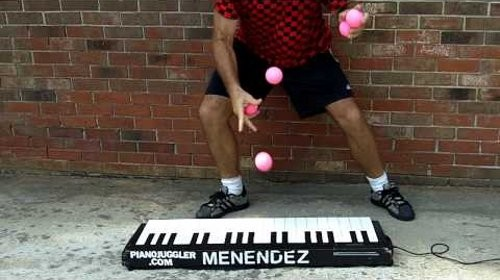 worlds-fastest-piano-juggler-0002