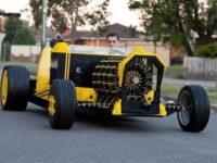 エンジンもLEGO! 圧縮空気で走る本格的レゴカー