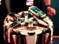 ルービックキューブの世界記録更新した レゴ製の早解きマシーン